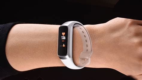 Samsung Galaxy Fit lands to take on the Fitbit Charge 3