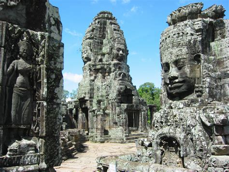Temple complex Bayon Wallpapers Images Photos Pictures