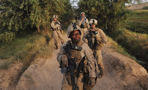 Pentagon Set to Lift Ban on Women in Combat Roles - The