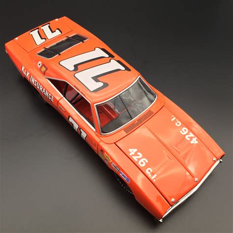 Bobby Isaac #71 - 1969 Dodge Charger - University of Racing