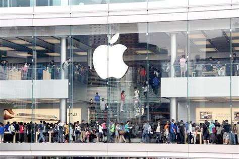 Two Hong Kong Apple store staff taken to hospital after